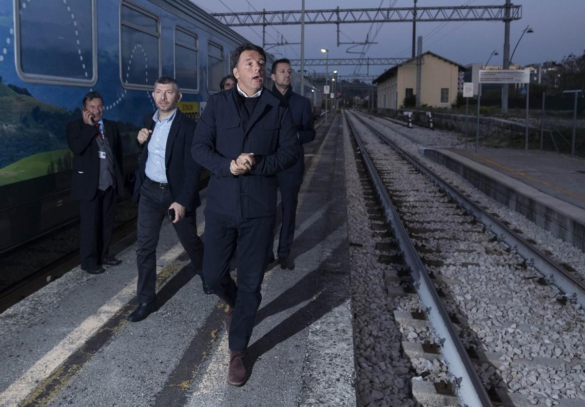 Matteo Renzi a Benevento: La solita frittura di pesce